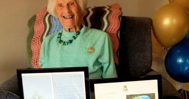 Manotick Place celebrates Celia Roy's 100th birthday in March